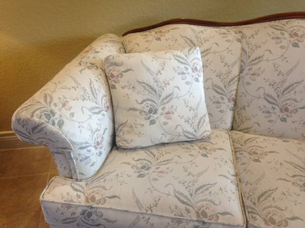 Formal couch and 2 wingback reclining chairs - x0024400 (Shavano Park)