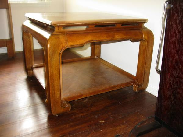 Chinese Table, Very Nice - $1 (Hollywood Park)
