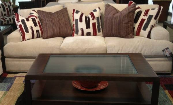 Rooms To Go Cindy Crawford Couch For Sale
