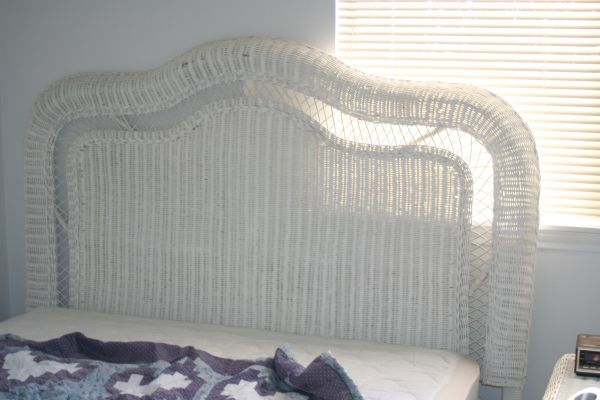 4 Pc Wicker Bedroom Set Pier 1 Full Size - $375 (NE Rolling Oaks)