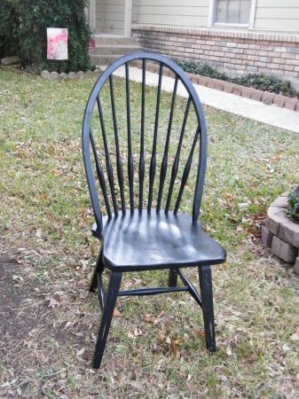 5 black chairs from oak express - $125 (North Central)