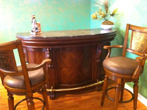 Star Furniture Elegant Bar Stools - $1050 (1604 Blanco)