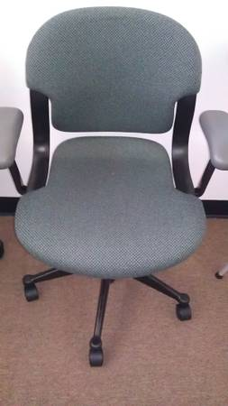Herman Miller Office Chair, retails $500 tax - $120 (Alamo Heights)
