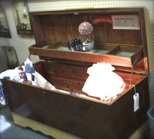 Vintage Lane Cedar Chest With Jewelry Tray - $175 (Homestead Handcrafts)