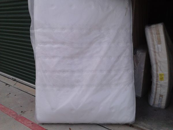 SEALY POSTUREPEDIC QUEEN SIZE MATTRESS SET NEW 325.00 OBO - $325 (SA)