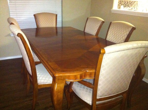 Star Furniture formal dining table, with 6 chairs 2 leafs - $750 (NW San Antonio)