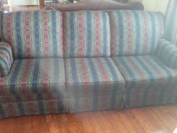 LIKE NEWBEAUTIFUL Sofa - $110 (San Antonio)