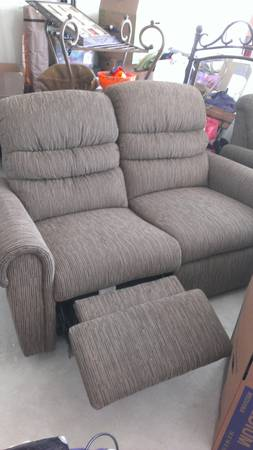 BARELY USED LAZY BOY SOFAS (Kyle )