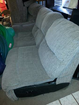 Pull-out sectional couch (orig from Lacks) - $25 (northeast)