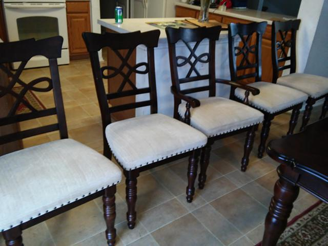 450  Table And Chairs