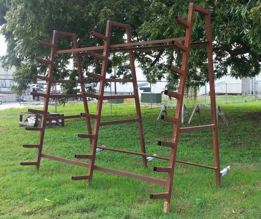 Metal A-Frame - $125 (New Braunfels)