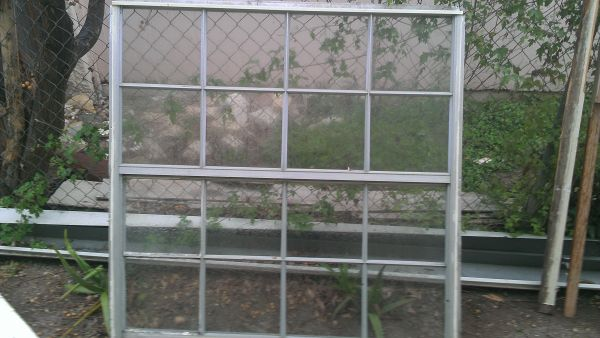 Used old single pane window 48x48 - $5 (NW BanderaHuebner)