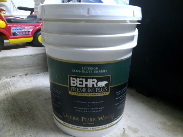 Behr 5 Gallon Paint Espotted