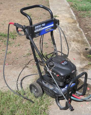 PRESSURE WASHER 2300 BRIGGS STRATTON 6.0HP RUNS GREAT - $150 (Cibolo)