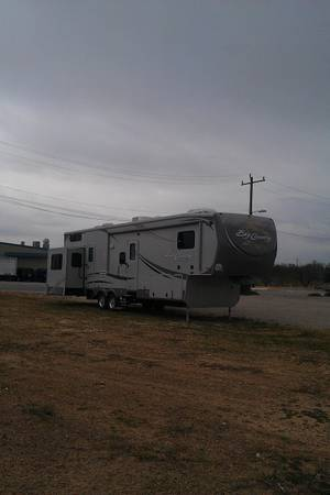 2012 CLASSY HOME fifth wheel BIG  COUNTRY 39 FEET 2 BDR -   x0024 39000  SE  clean   GRANITE  W D CONNECTION by owner cleanest
