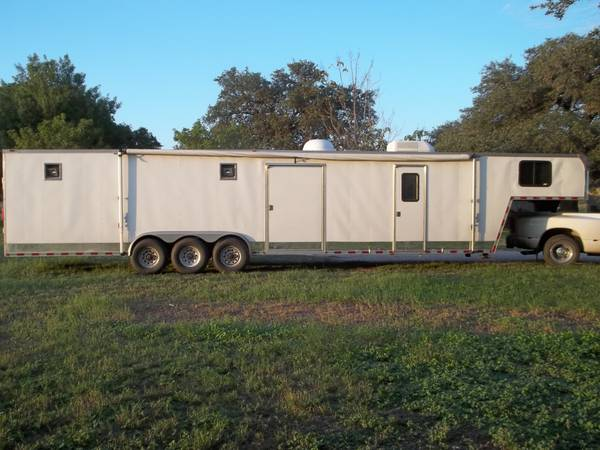 06 42 FT ENCLOSED CARGO TOY HAULER RACE CAR TRAILER - $18995 (SCHERTZ)