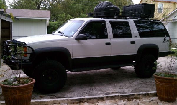 Trade for MH-1996 Suburban SLT Z71 Lifted 6 - $7700 (San Antonio)