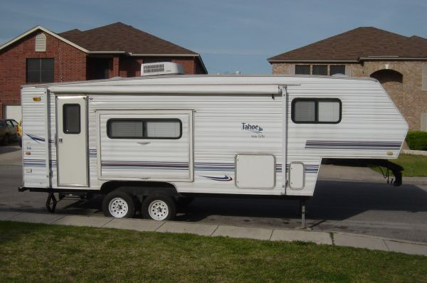 2001 Tahoe Wide Lite 5th Wheel Travel Trailer 23 $6000 - $6000 (BoerneComfortWaring)
