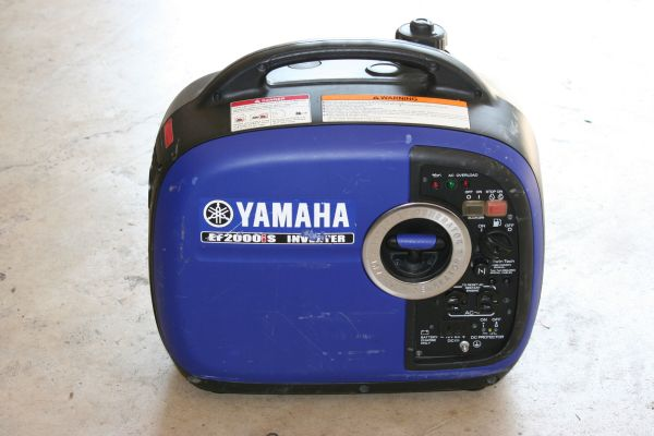 YAMAHA EF2000IS PORTABLE PARALLEL INVERTER GENERATOR 2000 WATT - $750 (Timberwood park)
