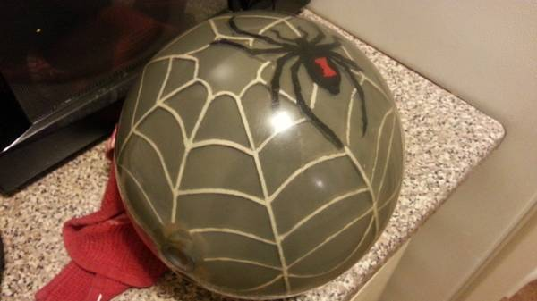 15lb Clear Hammer Bowling ball with black widow and web inside - $65 (san antonio )