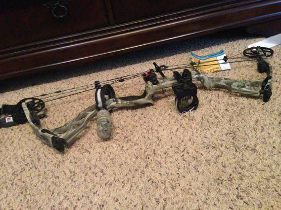 Diamond outlaw Compound Bow - $500 (Boerne, Texas)