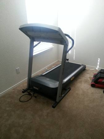 Golds Gym Trainer 480 treadmill - $225 (northwest san antonio)