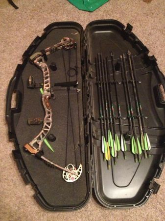 Redhead xp 35 compound bow - $300 (spring branch)