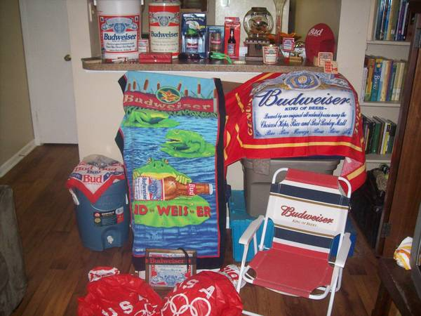 Man Cave Stuff Budwieser Collection, Must SEE - $225 (I-10 and Huebner)