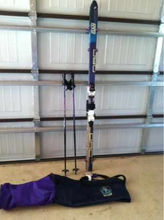 Snow skis, boots, and clothing - $20 (Spring BranchBulverde)