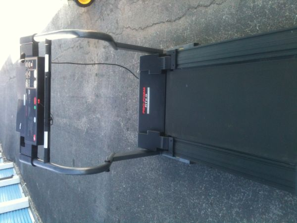 TREADMILL 14MI400 M TRACK. - $200 (NORTH CENTRAL.)