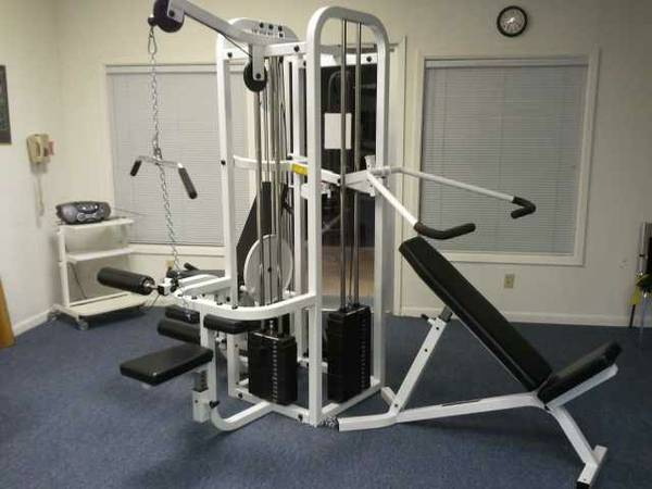 Maxicam leg press espotted for A m salon equipment st louis mo