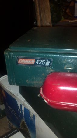 3 coleman cing stoves (San Marcos)