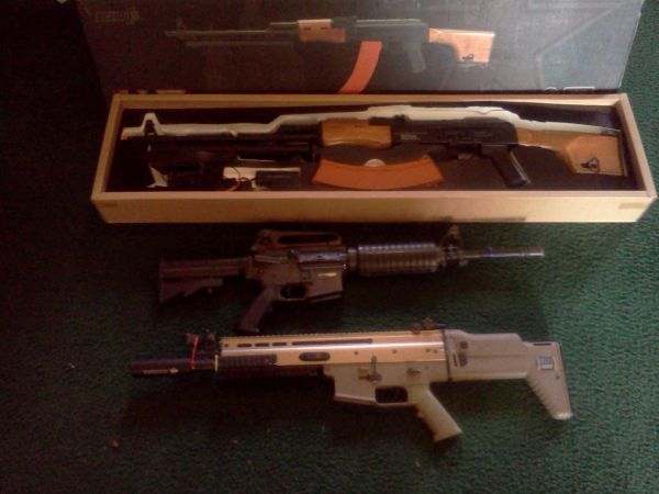 Airsoft weapons, Camo, Uniforms, and Gear (San Antonio)