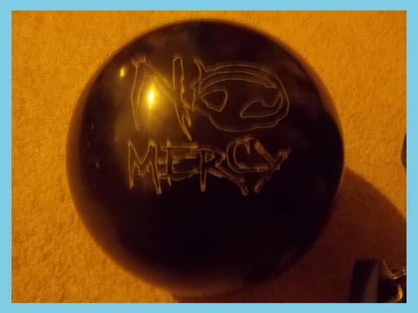 hammer no mercy bowling ball - $50 (converse)
