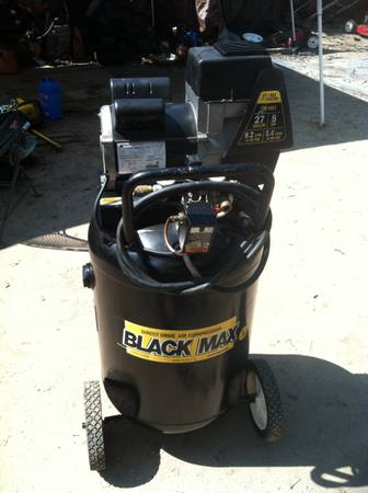 27 GALLON COLEMAN POWERMATE BIG AIR COMPRESSOR GOOD CONDITIONS (san antonio)