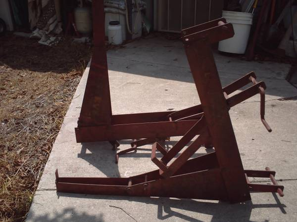 2 pump jacks used Qualcraft 2200 - $60 (central SA 78216)
