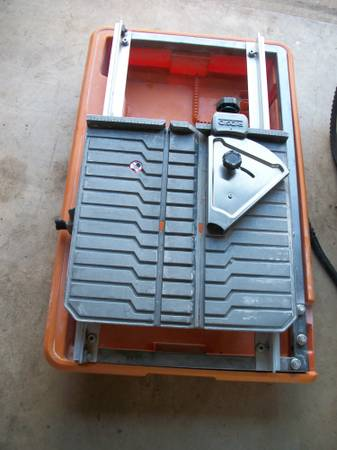 RIDGID R4030 Cast Table and Pan for Wet Tile Saw