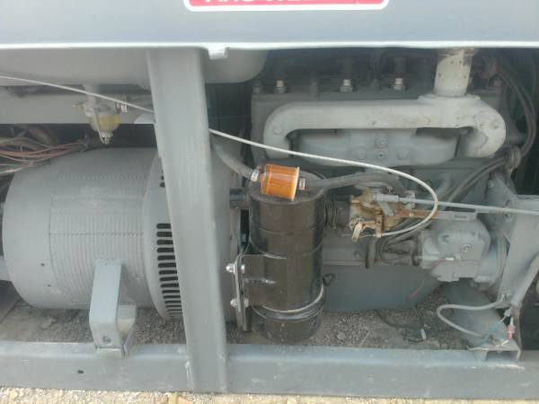 red face lincoln welder - $4000 (eagle pass,tx.)