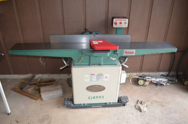 Grizzly G0593 8 Jointer w Helical Cutterhead - $700 (Vanderpool, Texas)
