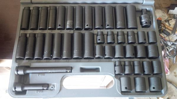 38 IN DR 43 PC SE IMPACT SOCKET SET - $125 (Leon Valley)