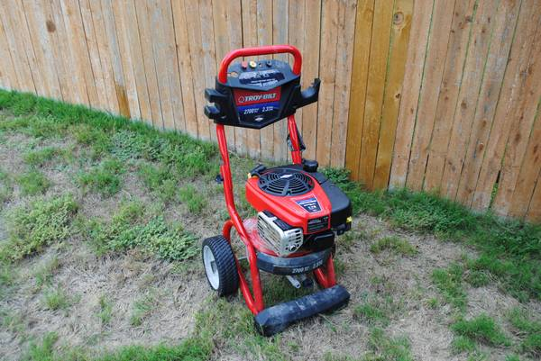 Gas Pressure Washer - $175 (Helotes near 1604)