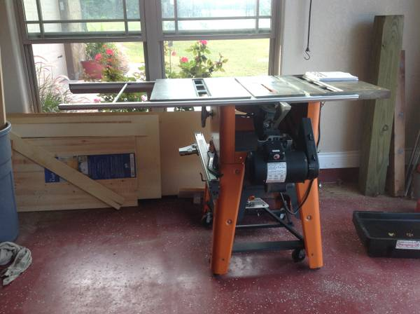 Ridgid Table Saw - $400 (LaVernia,TX)