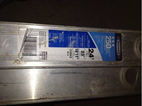 Werner 24 foot extension aluminum ladder - $150 (Marion)