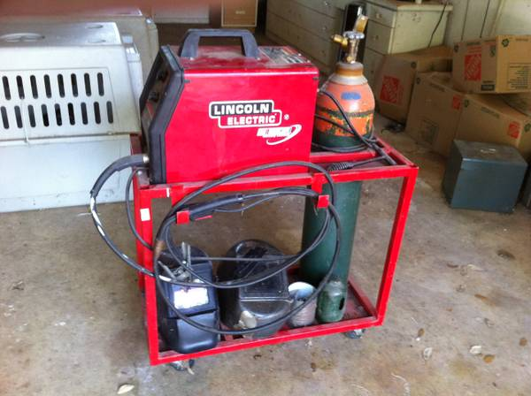Lincoln Weld-Pak 100 MIG Welder - $400 (I-10 betw Leon Springs and Boerne)