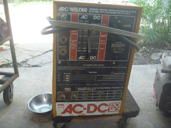 ac dc welder montgomery ward these were made by miller for them - $165 (210-409-6545)
