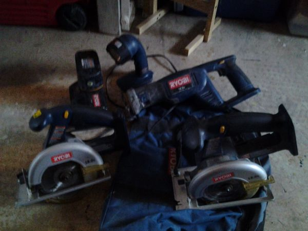 2handsaws, sawzall, 2battery charger - $75 (med center)
