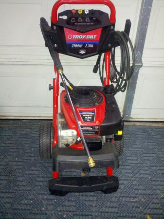 GAS PRESSURE WASHER---Troy-Bilt 2700 PSI - $190 (NW Near Sea World)