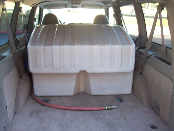 300 Gallon Water Tank .Great for truck or trailer.Best Offer - $240 (I-10 and Huebner area.)