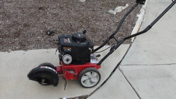 MTD Yard Machine Gas Lawn Edger 3.5HP Excellent Condition - $90 (NW SA Talley Rd)