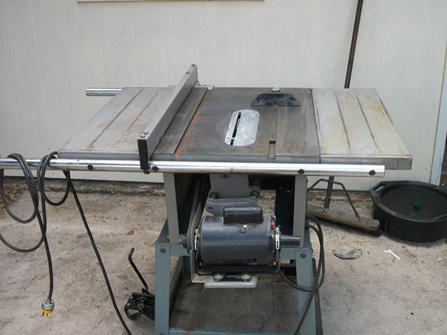 600  10 inch contractors table saw
